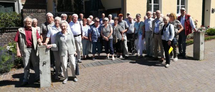 Ü 60 – Gruppe Aus Bottrop Zu Besuch Im Kloster Marienthal